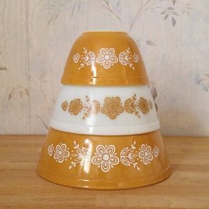 """Vintage """"Butterfly Gold"""" Pyrex (3) Mixing Bowls"""